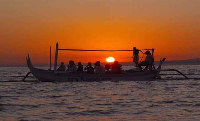 Informasi Terkini Harga Sewa Perahu Di Lovina Untuk Melihat Dolphin