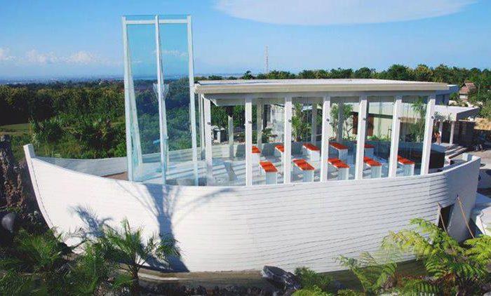12 Villa private pool untuk Honeymoon di Seputaran Seminyak