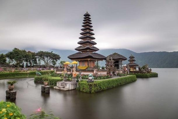 7 Pilihan Tempat Wisata untuk Honeymoon Favorit 2018